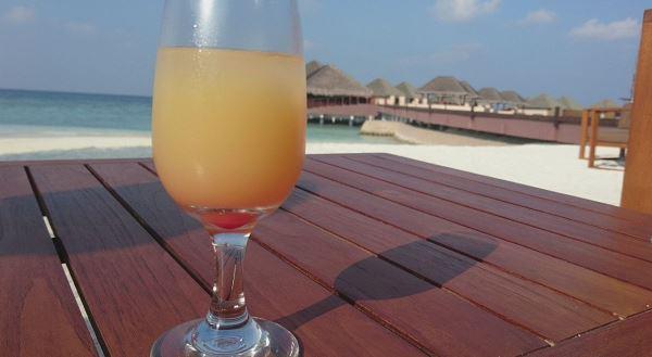 Makan dan minum sepuasnya di resort